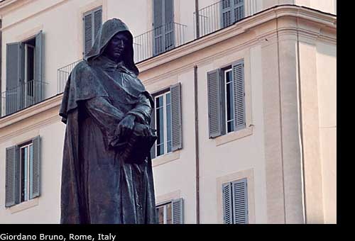 Photos of the statue of Giordano Bruno, Rome, Italy